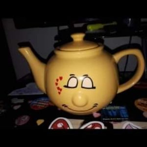 Other - Quirky TeaPot In Love